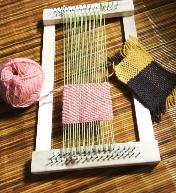 こんなかわいい織機です。一緒に使い方を学びませんか!