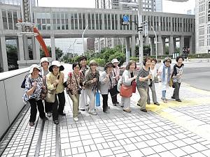 東京マラソンのスタート地点で、はいポーズ!